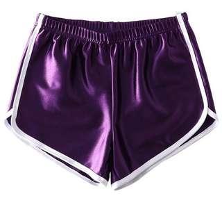 🚚 緞面短褲紫色m號