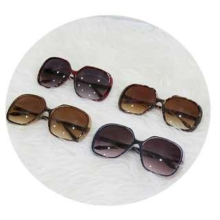 Kacamata retro warna warni