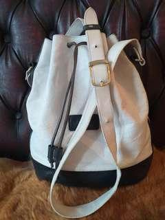 9c597617648 bally sling | Luxury | Carousell Indonesia