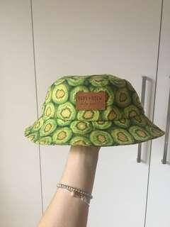 Vert Stew kiwi fruit bucket hat