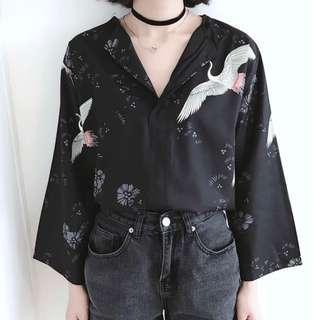 🚚 復古時尚襯衫 仙鶴碎花襯衫 閒雲野鶴休閒感 V領九分袖襯衫