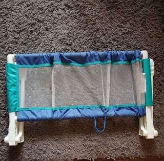 🚚 Safety 1st Bed Guard
