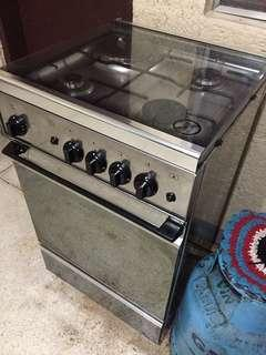 GAS STOVE W/ OVEN