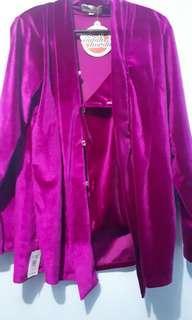 Kebaya bludru ungu