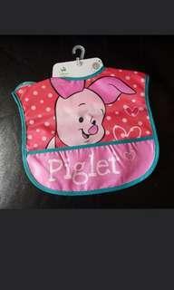 [包郵] 全新正版Piglet 迪士尼防水口水肩 飯兜