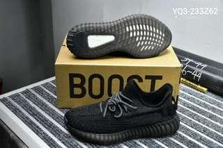 🚚 Yeezy Boost 350 V2 black