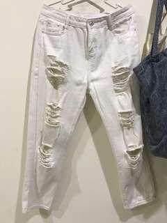 🚚 白色破洞男友褲L號