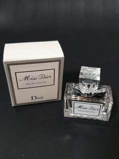 🚚 Miss Dior Eau De Toilettte Perfume 5ml with box bnib