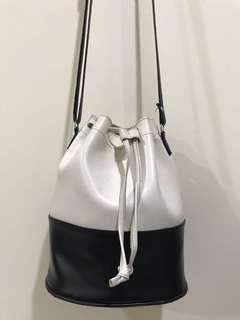 黑白水桶包