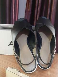 Sandal merk Aldo