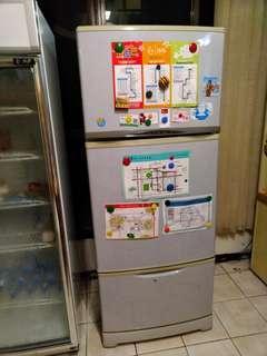 三洋三門冰箱