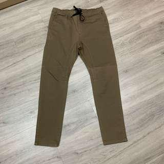 Men's Cotton On slouch skinny pant size 34 in olive