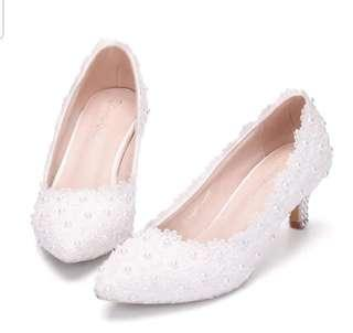 Lovely Lace Pearl Shoes Wedding