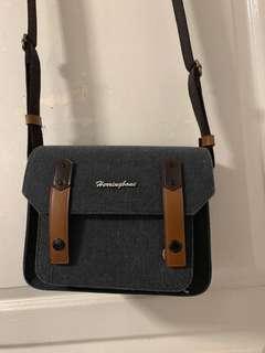 🚚 Harringbone camera bag