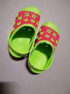 🚚 [SALE] girls sandals/slippers #EndGameYourExcess