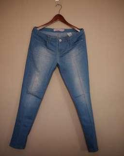 Preloved Giordano low rise skinny taperd jeans