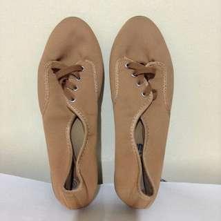 Nude Kicks
