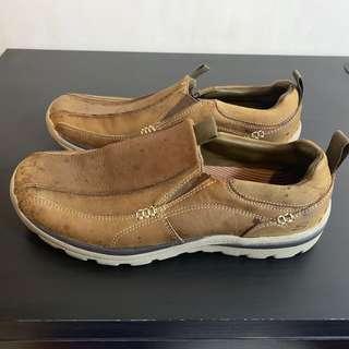 🚚 Skechers R+FIT men's Size 9