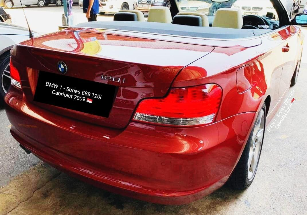 BMW 1 - Series E88 120i Cabriolet  2009 Powered By 2.0L Inline 4 Engine 6 Speed Auto Transmission  Active Steering Traction Control Rear Wheel Drive Multi Function Steering Fully Electric Soft Top Low Mileage : 60km Status : 🇸🇬