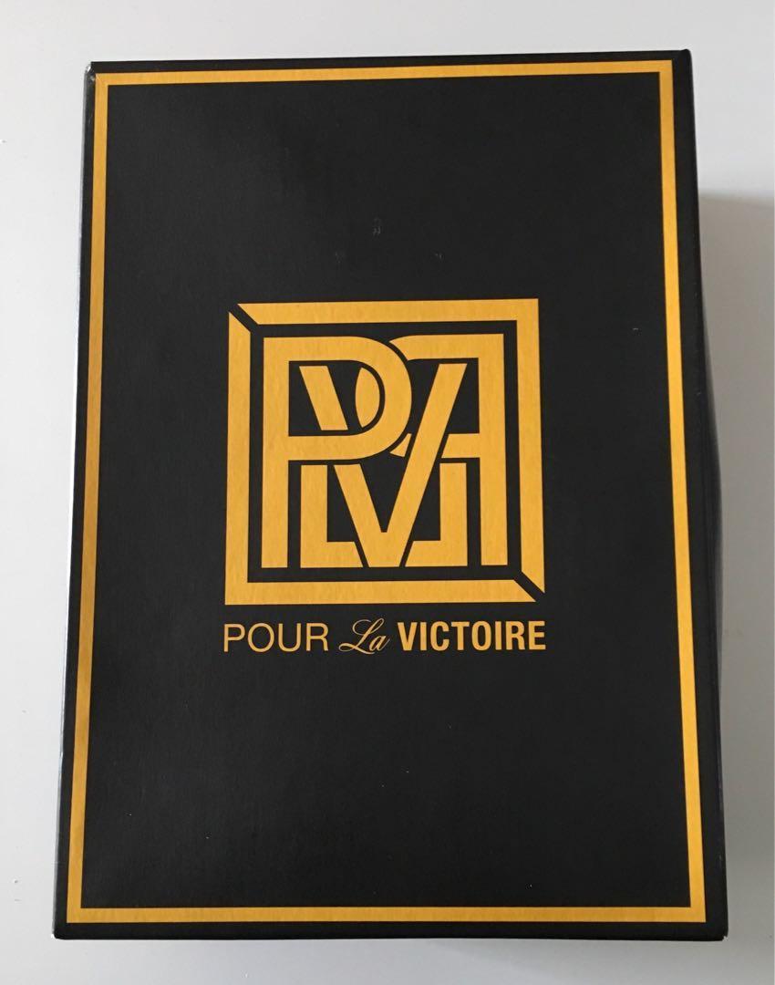 BNIB Pour La Victoire genuine patent leather babydoll heels sz 11