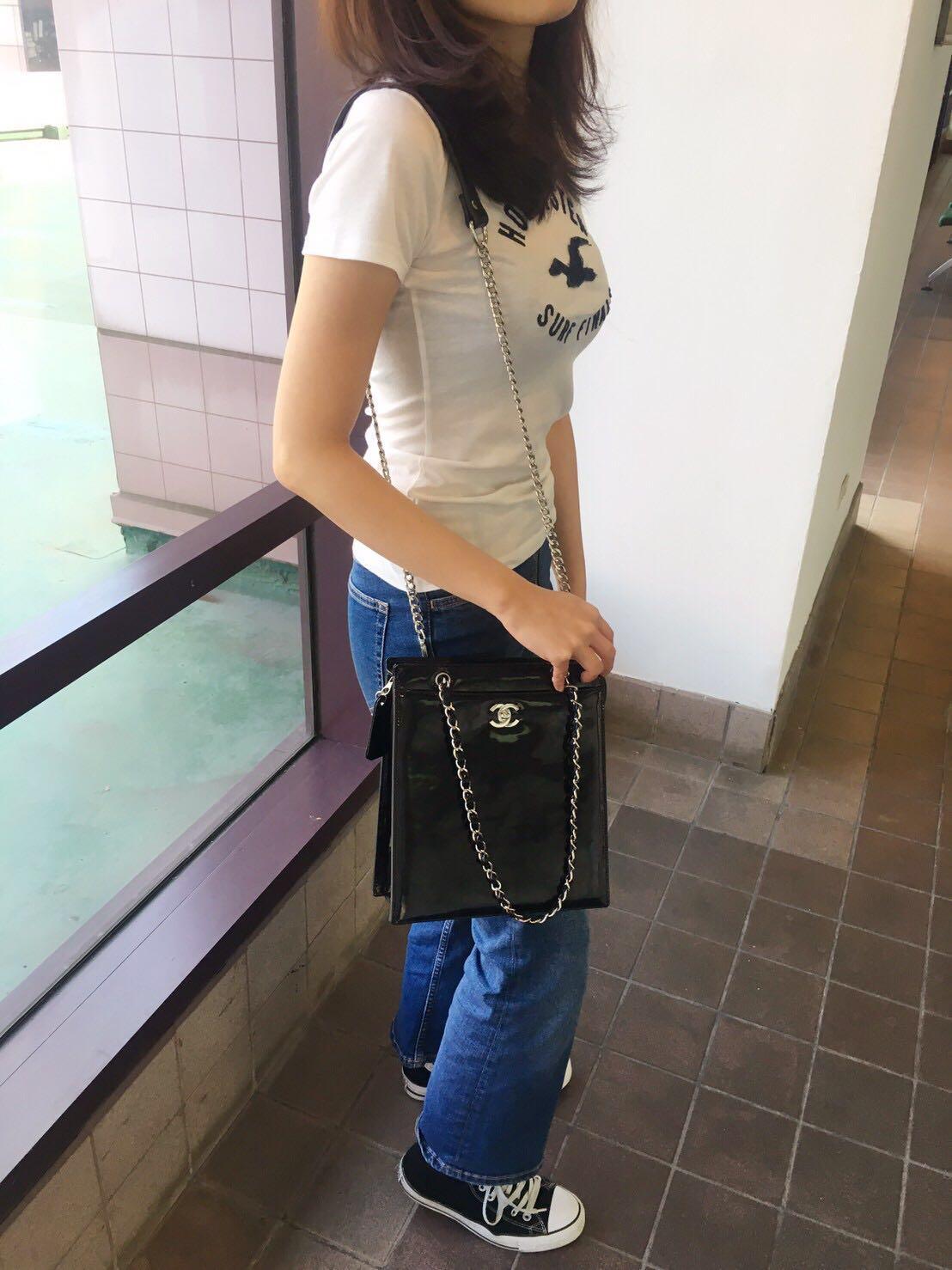 Chanel 黑色漆皮鏈帶包 -售出