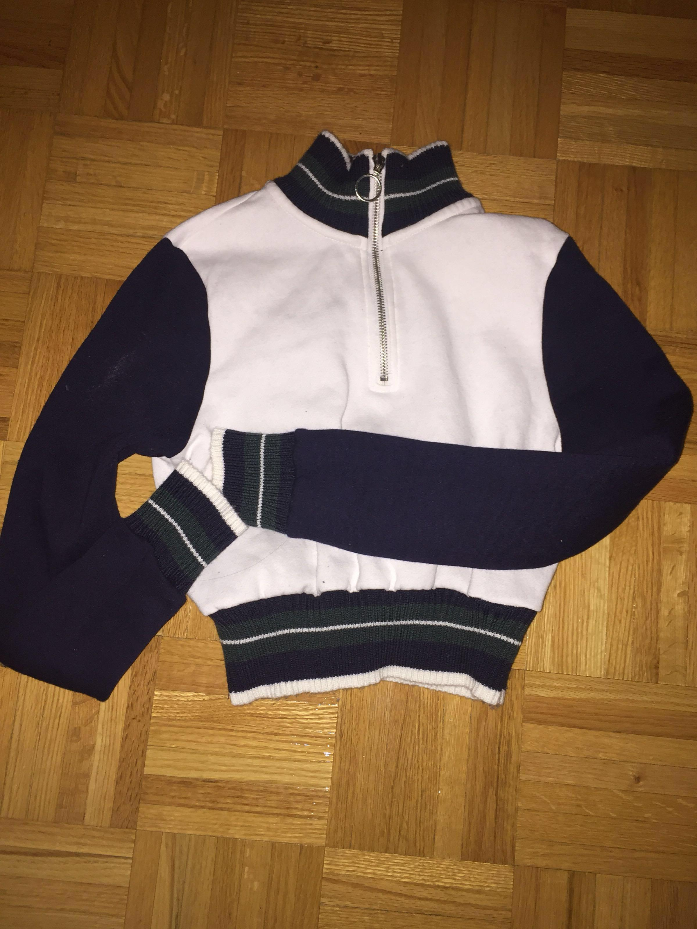 Garage turtle neck cropped white & navy half zip up