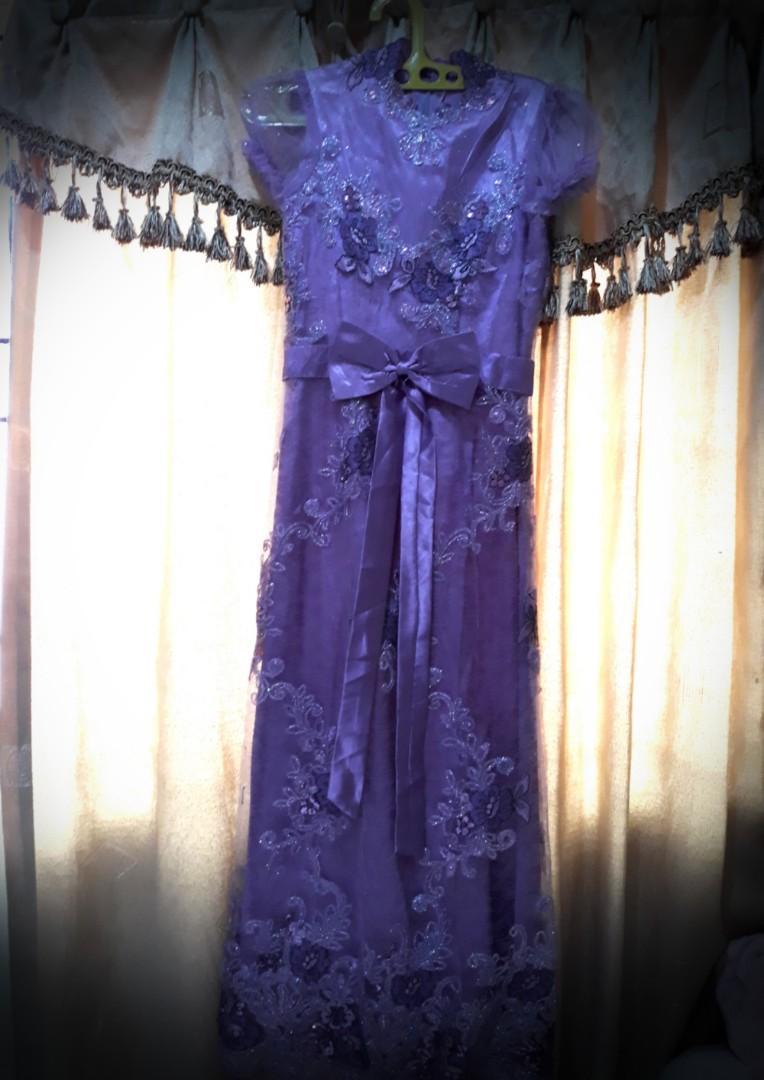 Gaun Pesta Purple Floral ukuran S, cocok untuk wanita bertubuh langsing tinggi