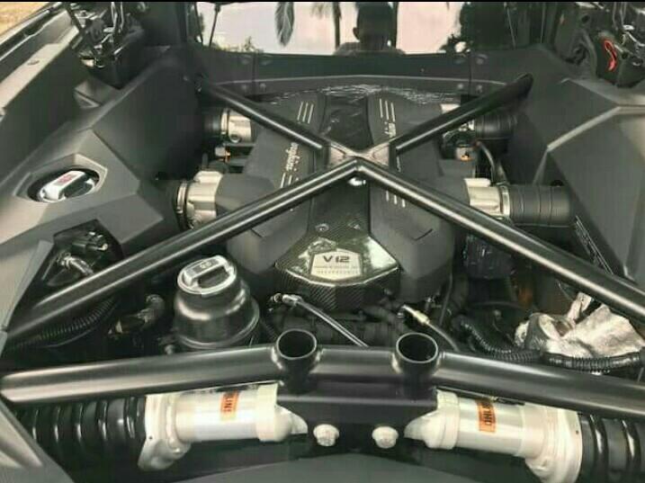 Lamborghini Aventador 6.5 LP700-4