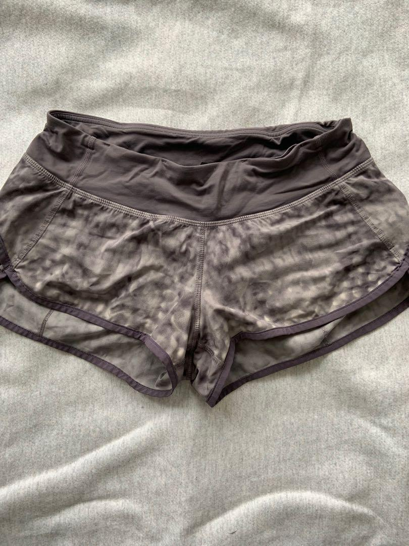 Lululemon shorts size 6 in perfect condition