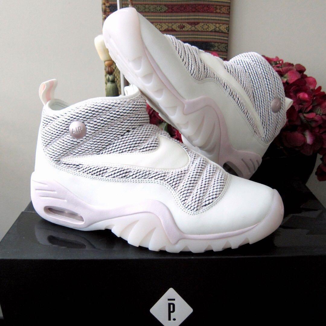 Nike Air Shake Ndestrukt x Pigalle