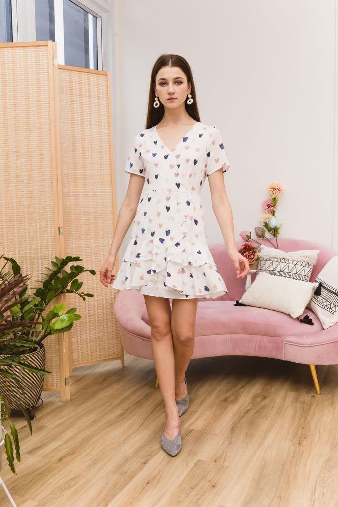 TheStageWalk Emmeline Sweetheart Ruffles Dress in White