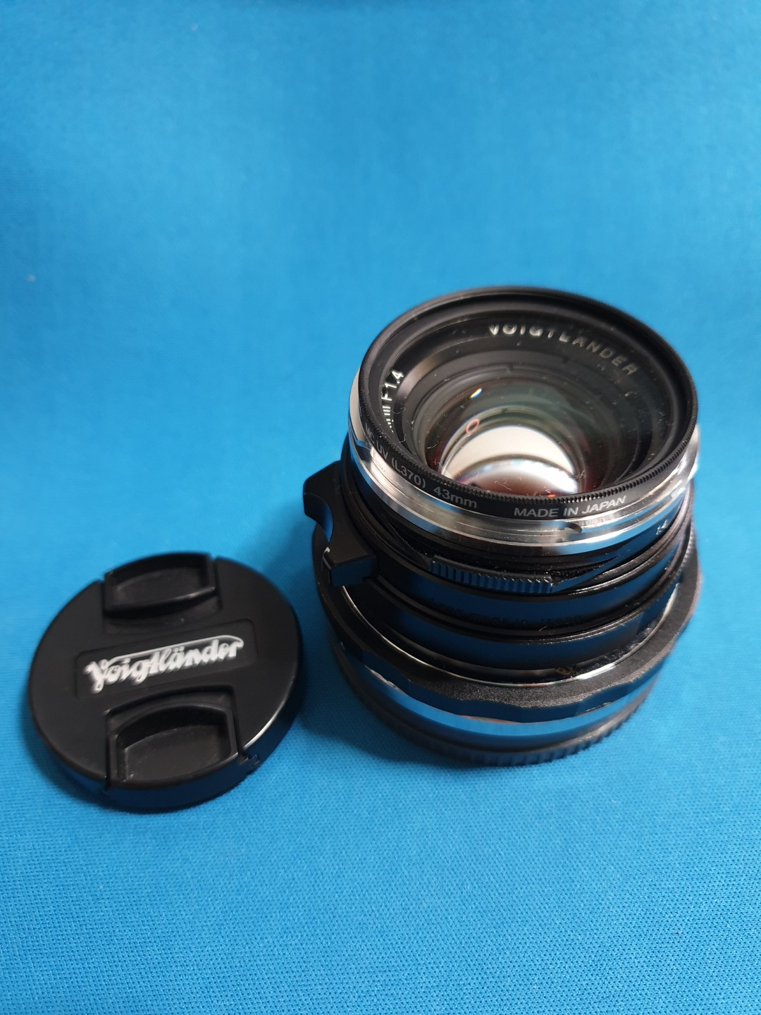 Voigtlander 35mm f1 4 VM-mount with close focusing E-mount adaptor  All  item shown here are sold as it is shown  Everything here is of good  condition