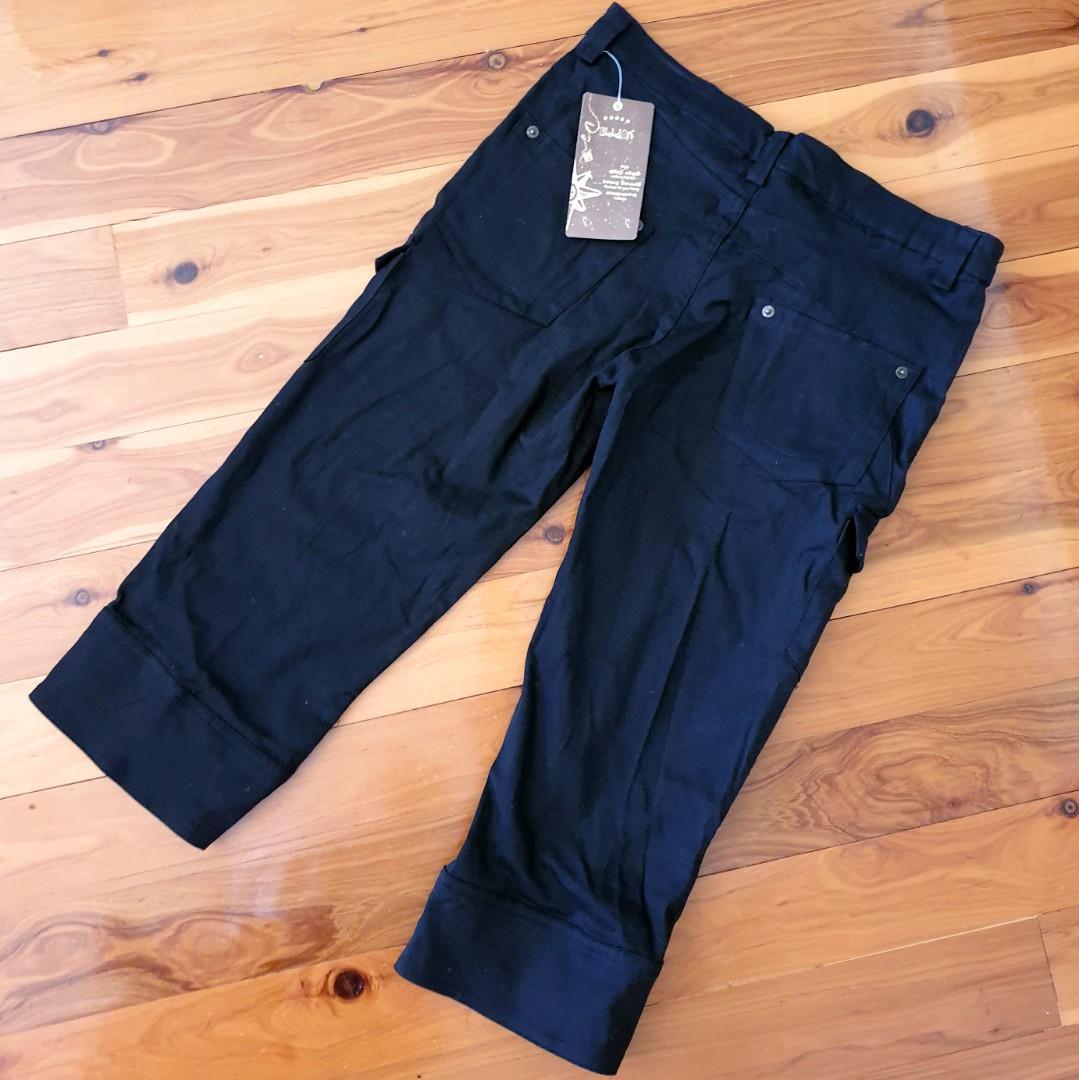 Women's size 31=12 'BILLION' Gorgeous black 3/4 cargo style pants - BNWT