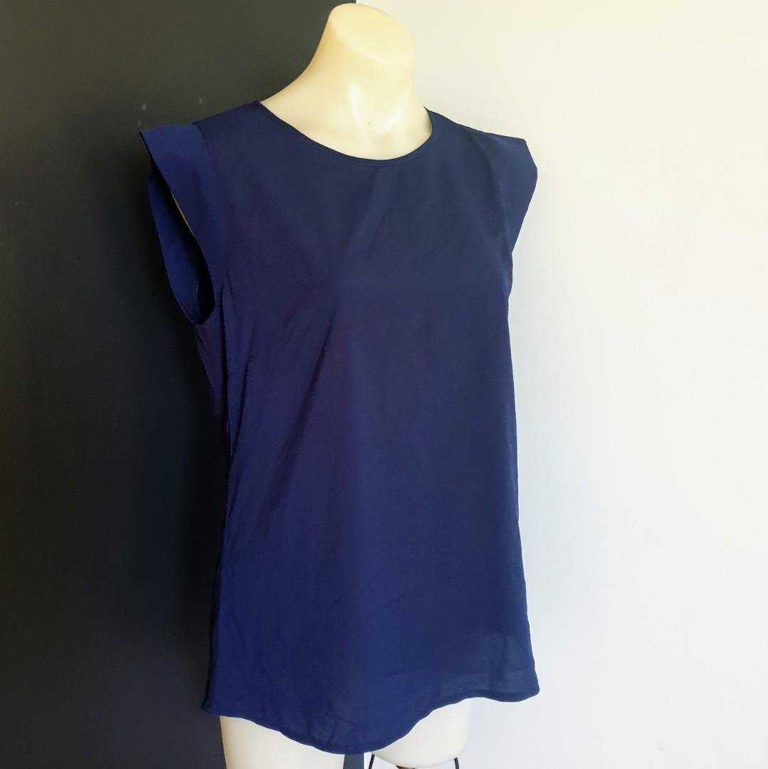 Women's size L 'FRENCH CONNECTION' Gorgeous classic navy top blouse- AS NEW
