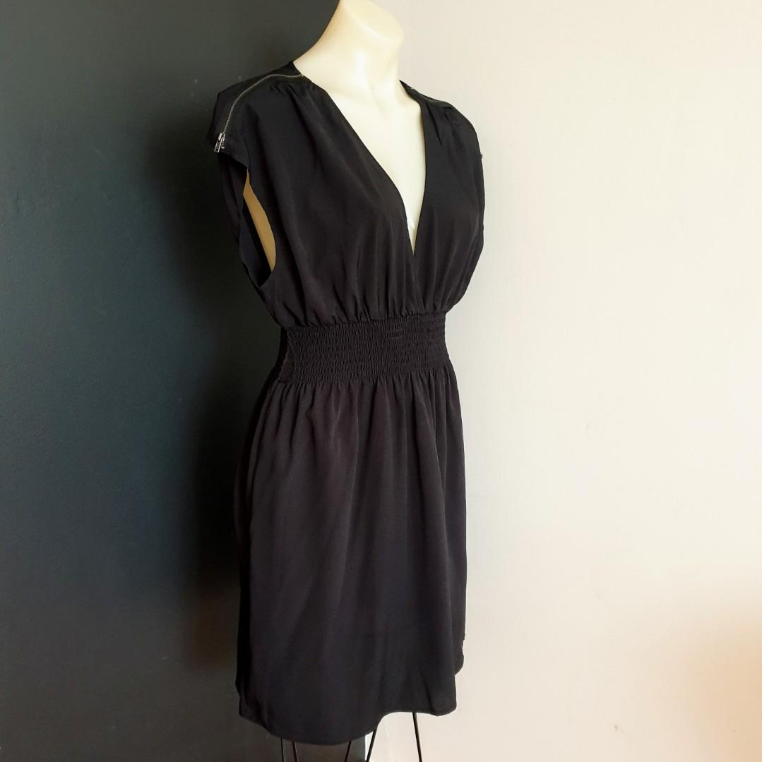 Women's size L 'GUESS' Gorgeous black plunge neckline dress with zips - AS NEW