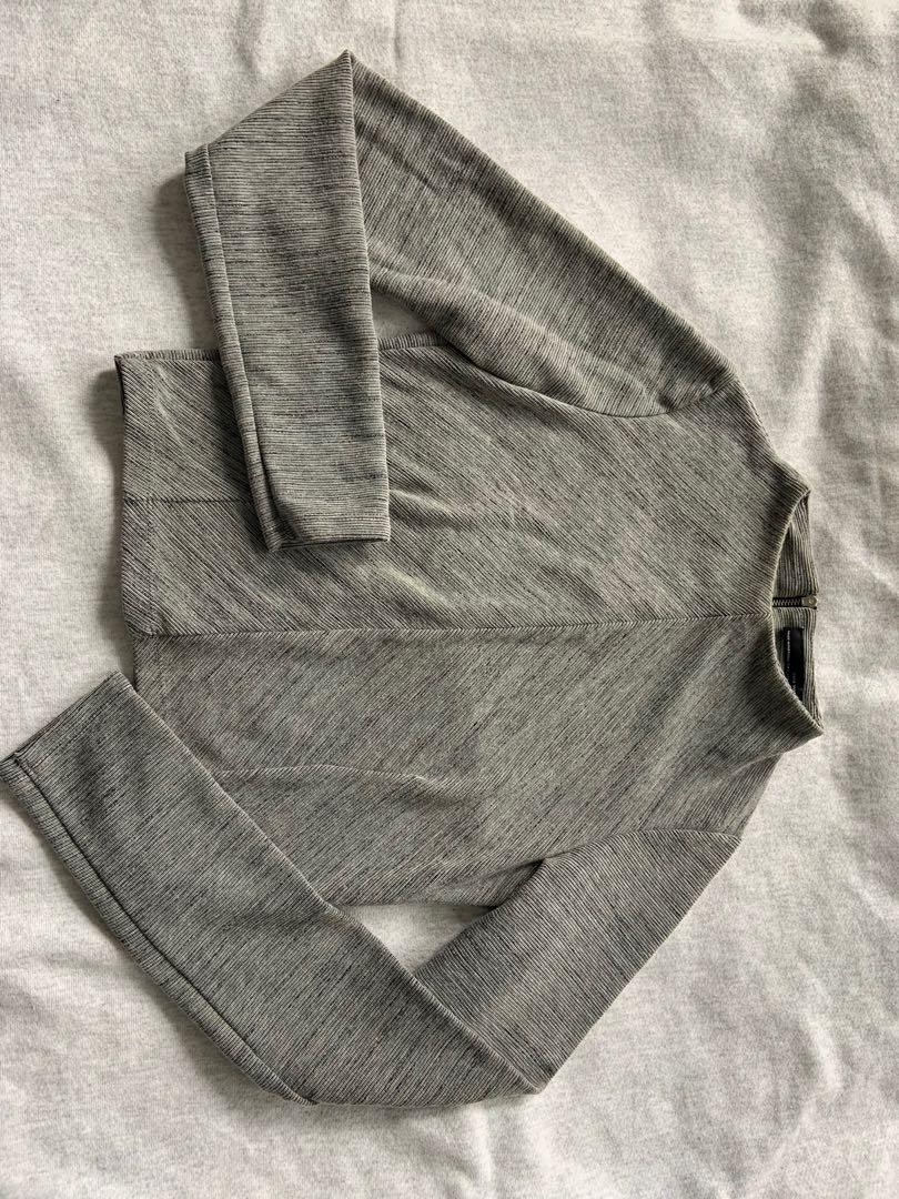 Zara mock neck long sleeve ( slightly cropped size S) perfect condition