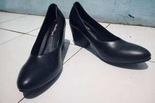 Mayya Black Heels