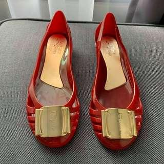SALVATORE FERAGAMO RED INSPIRED PUMP JELLY SHOES SIZE:5 (RM19)