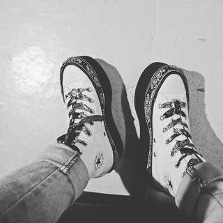 Converse x Miley Cyrus black & white