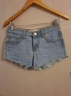 Scallop Hem Denim Shorts