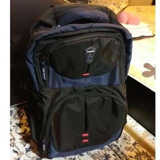 Cheap Paviotti Trolley bag with back pack strap. Cabin size.
