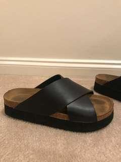 Black & wooden slide sandals