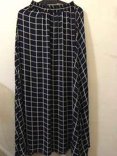 Checkered long skirt
