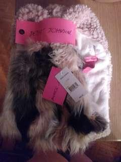 Betsey Johnson Infinity Scarf New with Tags