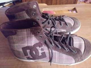 DC Womens Size 10 Hightop Shoes