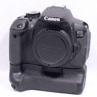Canon EOS 650D DSLR Body with Original Battery Grip