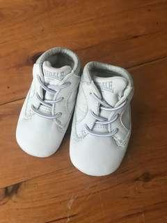 Baby Lonsdale soft shoes size 0