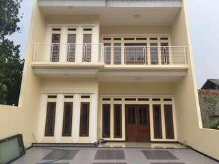 Jual 1 unit Rumah baru 2 tingkat & 3 unit kavling, lokasi strategis, aman & nyaman di dalam area cluster