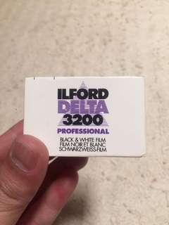 Film Analog 135mm Expired - Ilford Delta 3200