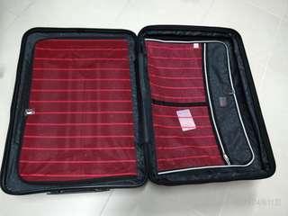 Elle 29吋 黑色行李箱 (有三年保養)